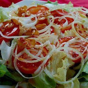 salad-tron-dau-giam-com-ngon-nhu-me-nau
